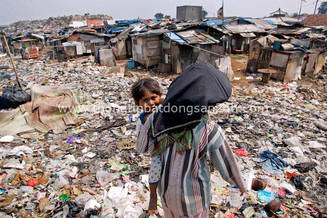 Đất nước vạn đảo đối mặt với thảm họa rác thải khủng khiếp nhất lịch sử - Ảnh 9.