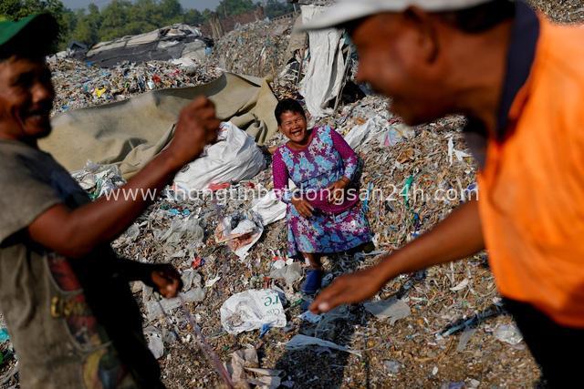 Đất nước vạn đảo đối mặt với thảm họa rác thải khủng khiếp nhất lịch sử - Ảnh 11.