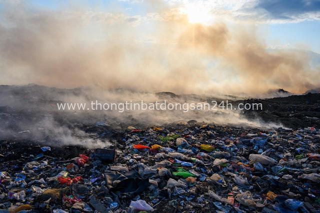 Đất nước vạn đảo đối mặt với thảm họa rác thải khủng khiếp nhất lịch sử - Ảnh 12.