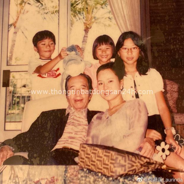 Gia tộc Vua sòng bài Macau trong Ngày của Cha: Hầu hết đều im lặng, chỉ có 2 tiểu thư đăng ảnh nhớ thương người cha quá cố - Ảnh 1.