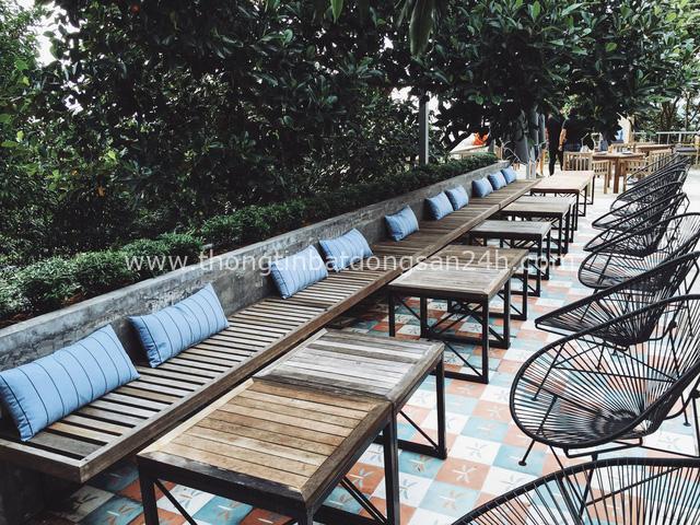 Khám phá quán cà phê ở Phú Quốc được đề xuất must try trên nhiều web du lịch nổi tiếng: Kiến trúc độc đáo, tầm nhìn toàn cảnh 'đảo ngọc', dịch vụ chuẩn quốc tế - Ảnh 2.