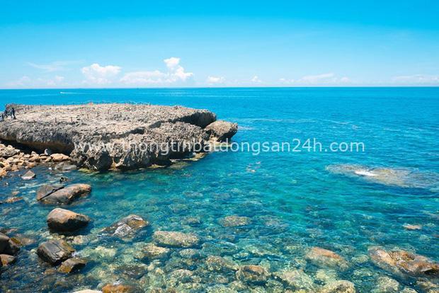 Lạc lối ở Ninh Thuận - vùng đất muốn núi có núi, muốn biển có biển, có cả sa mạc lộng gió nên thơ - Ảnh 1.