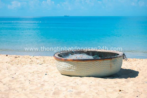 Lạc lối ở Ninh Thuận - vùng đất muốn núi có núi, muốn biển có biển, có cả sa mạc lộng gió nên thơ - Ảnh 2.