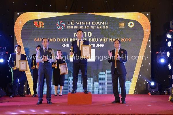 """LinkHouse Miền Trung liên tiếp được vinh danh """"Top 10 sàn giao dịch bất động sản tiêu biểu"""" 1"""