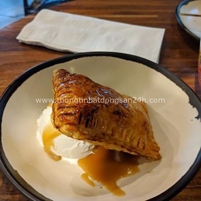Món bánh táo rác rưởi trong menu nhà hàng của Vua đầu bếp Christine Hà được cư dân mạng chia sẻ rầm rộ và câu chuyện đặc biệt phía sau - Ảnh 2.