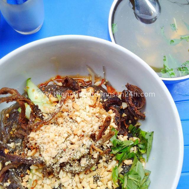 Món trộn - biến tấu ẩm thực thú vị của Hà Nội, càng nắng nóng, càng lắm người mê - Ảnh 14.