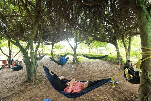 Nếu mà mệt quá, giữa thành phố sống chồng lên nhau thì hãy về Nhà Dì Sáu - khu nghỉ dưỡng sinh thái đậm chất miền Tây, tha hồ sống chậm, sống xanh - Ảnh 8.