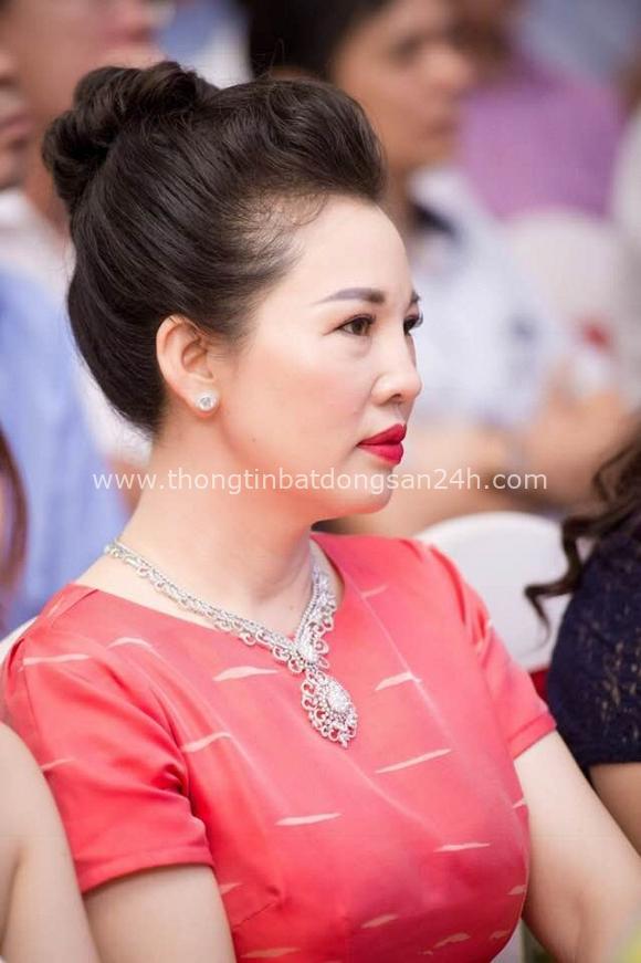 Nhan sắc quyền lực, quý phái của bà chủ tòa lâu đài lộng lẫy ở Nam Định, hóa ra là nhân vật từng rất quen trên mạng xã hội - Ảnh 11.