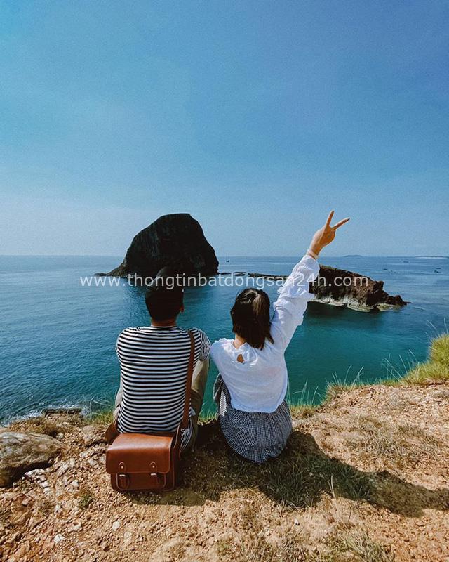 """Ơn giời, trọn bộ kinh nghiệm du lịch Phú Yên chưa tới 2 triệu/người đây rồi: Đến """"vùng đất hoa vàng cỏ xanh"""" thì ăn đâu, chơi gì? - Ảnh 10."""