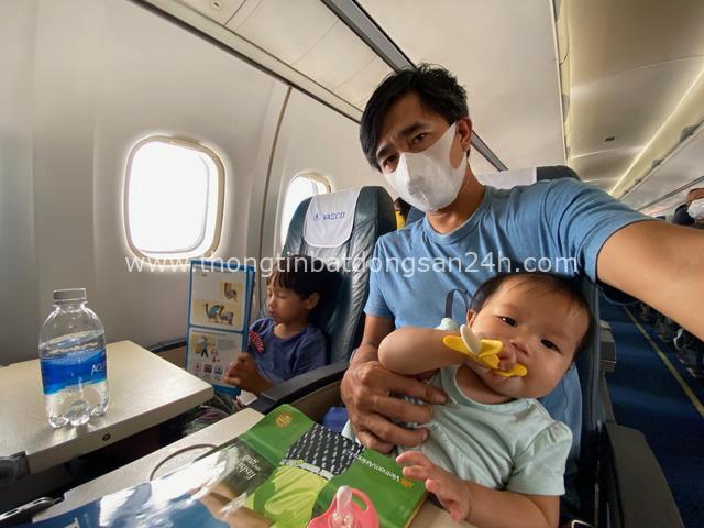 """Ông bố Hà Nội bỏ việc vì nghiện con: Cùng con """"đi đu đưa"""" từ 6 tháng tuổi, 3 tuổi đã """"thả"""" con đi khám phá đảo hoang, cứu hộ rùa - Ảnh 2."""