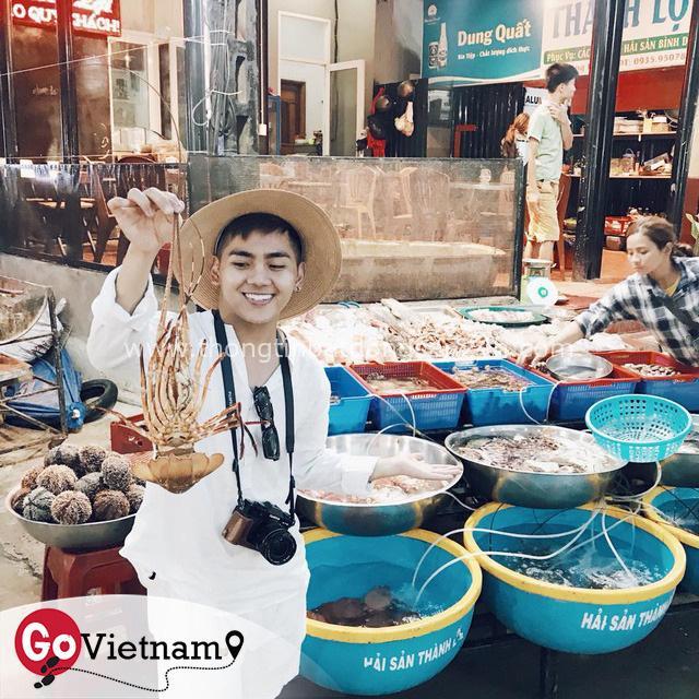 Từ chuyện bị cả đoàn bỏ quên ở WC Singapore đến sự cố biển động không may ở Lý Sơn, travel blogger Thắng Cuội: Tôi không đi du lịch khổ cực như mọi người nghĩ mà là đi tiết kiệm, biết lên kế hoạch - Ảnh 7.