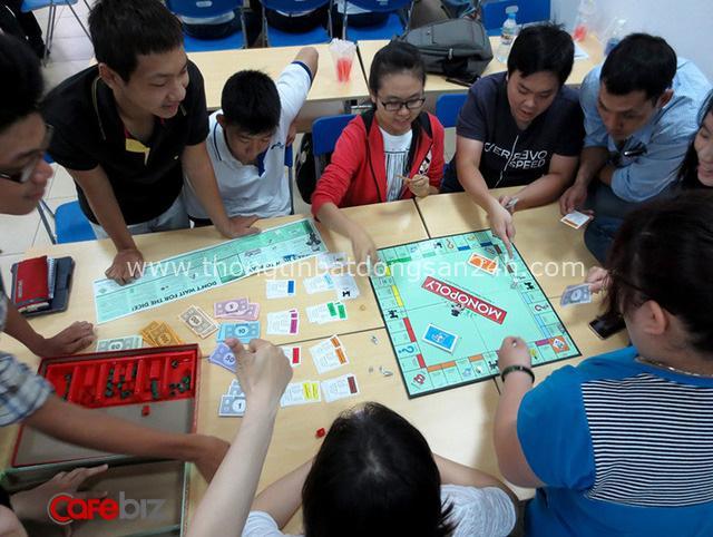 Vì sao tôi khuyên tất cả trẻ em chơi trò cờ tỷ phú? Bởi lẽ nó dạy cho 90% trẻ em về tiền bạc - Ảnh 3.