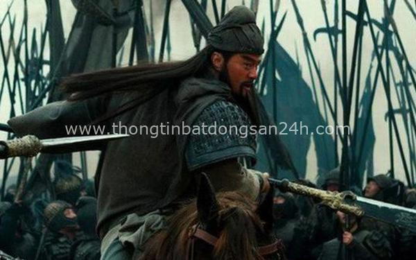 """Thừa biết đối thủ kém hơn mình, Quan Vũ vẫn nói với Trương Phi """"Võ nghệ của người này không hề thua kém chúng ta"""", người này là ai? 6"""