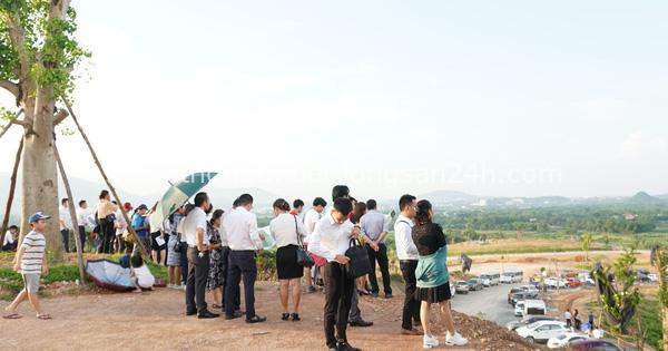 Bất động sản vùng ven Hà Nội hút dòng tiền đầu tư năm 2021 1