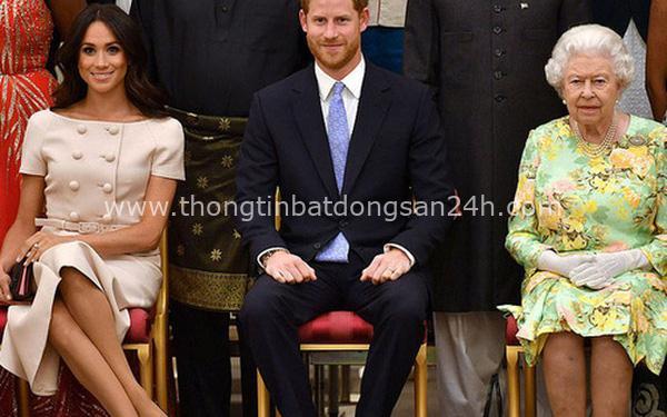 """Trước cuộc phỏng vấn """"bom tấn"""" của nhà Sussex, Nữ hoàng Anh đưa ra một lời khuyên cho vợ chồng cháu trai nhưng khiến ai cũng nể phục 3"""